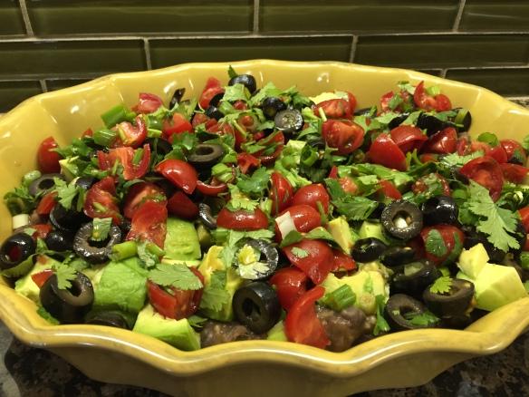 Superbowl bean-veggie dip